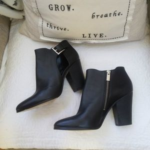 NWOB! Michael KORS BLACK Leather ANKLE Booties